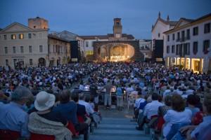 Opera in Piazza Giuseppe Di Stefano a Oderzo : Carmen, il pubblico