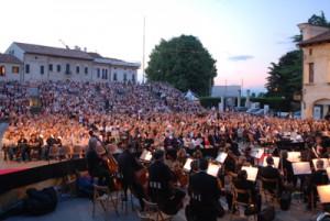 Pubblico Traviata in Piazza Grande